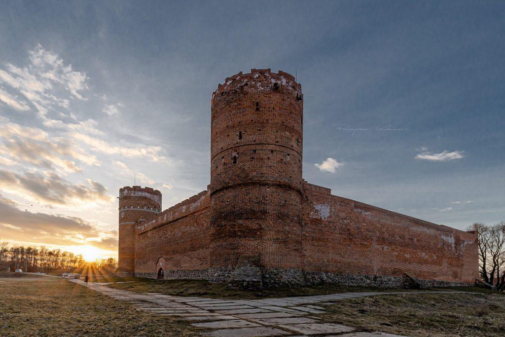 Zamek o zachodzie fotograf Ciechanow z Ciechanowa Przemyslaw Kuzniewski